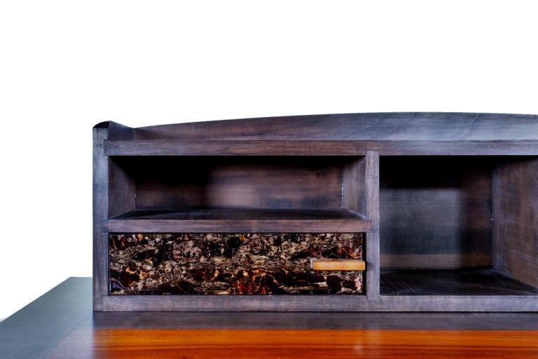 détail du tiroir d'un bureau d'inspiration Louis Philippe réalisé par Manivelle Ebenisterie