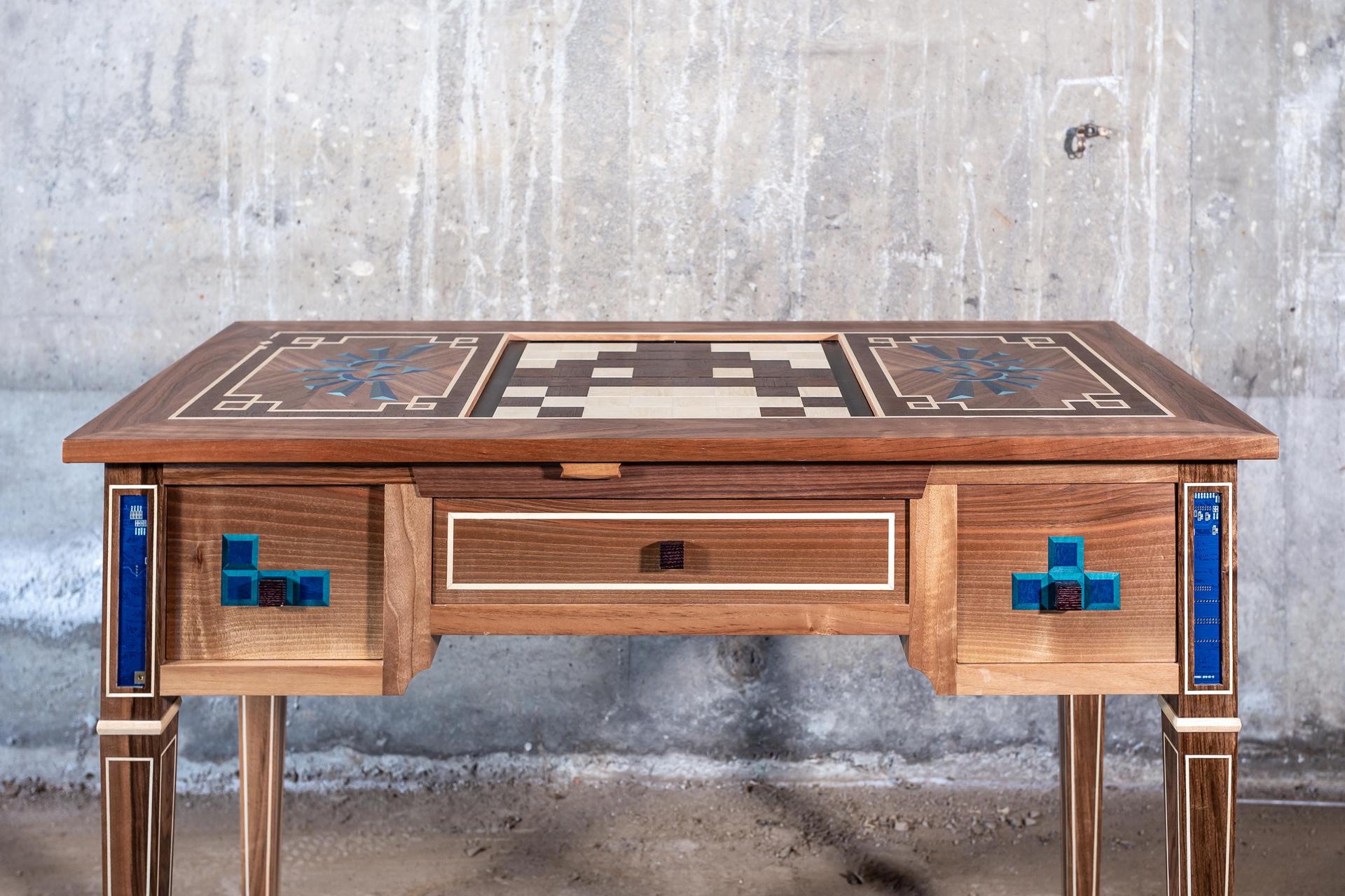 Table à jeux réalisée par Manivelle Eénisterie